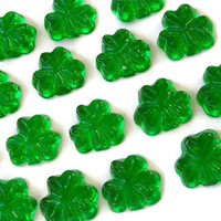 Green Candy Shamrocks - St. Patricks Day Hard Candy - 32 Candy Pack - Cake Decorations, Irish Wedding Favors, Party Favors, Celtic Wedding