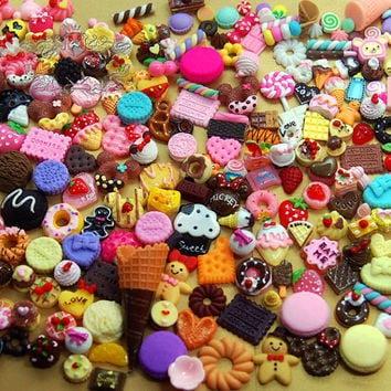 100 PCS Assorted Mix Sweets Cabochon Sets Kawaii cookies Dessert cake Fruit Bread Decora Resin Polymer Clay flatback kit Random lot AK.M