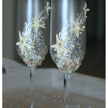 Personalized Pearl Wedding Glasses Set.
