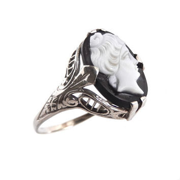 SALE - 14K White Gold Cameo Ring - Antique Size 8.5 Filigree Jewelry / Contrast