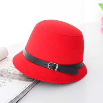 HT1225 Women Solid Wool Felt Cloche Hats Black Red Fedoras Vintage Western Bucket Hats for Women Female Bowler Hats with Belts