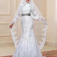 2017 New Dubai Arabic Muslim Wedding Dresses White Lace High Neck Long Sleeves Mermaid Bride Dresses Include the Longe Veil