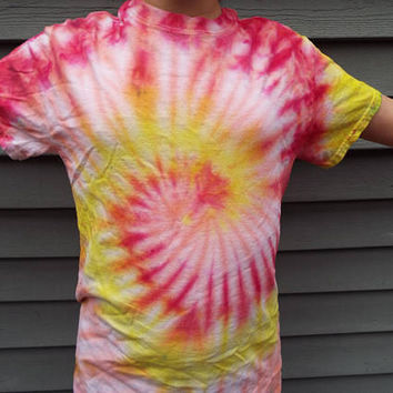 Tie Dye Swirl Shirt, Adult Small TieDye Shirt in Hot Colors - Red Yellow and Orange, Teen Girls, Tie Dye T-shirt, Hippie, Retro, Boho Tee