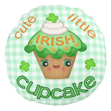 St. Patrick's Day Irish Cupcake Pattern Pillow