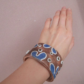 Polymer clay cuff bracelet and earrings Blue brown jewelry: cuff bracelet and stud earrings Hand textured and pained
