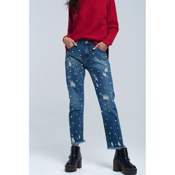 Mom jeans worn and pearl detail