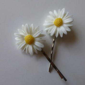 Daisy Bobby Pin - White Flower Hair Pins - Boutique Bobby Pins for Women - Silver Bobby Pin - Boutique Hair Pins - Flower Bobby Pin