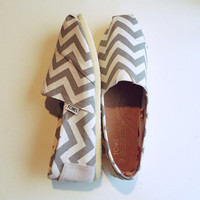 Gray Chevron Toms (Women)