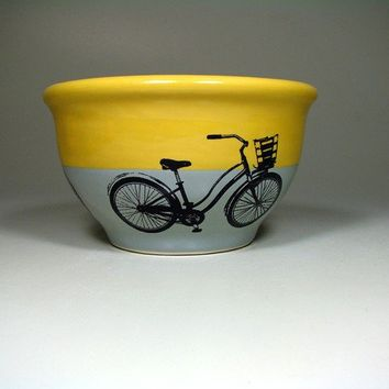 medium bowl speedy delivery lemon butter/storm  by CircaCeramics