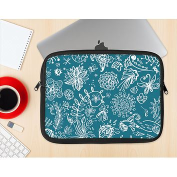 The Blue & White Floral Sketched Lace Patterns v21 Ink-Fuzed NeoPrene MacBook Laptop Sleeve