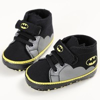 ROMIRUS New Spring Baby Shoes Boys Toddler Fashion Cartoon Batman Canvas Kids Footwear Casual Sneakers First Walkers 0-1T