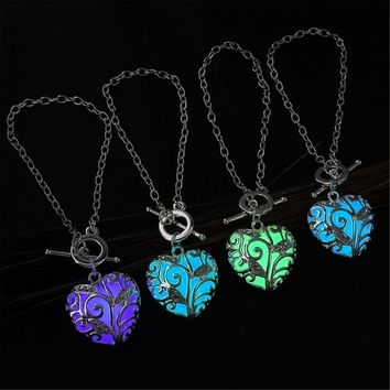Women Luminous Glow in Dark Heart Shaped Pendant Bracelet