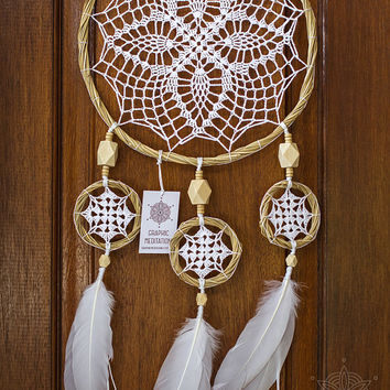 Boho dream catcher, Large white dreamcatcher, Unique wedding decor Triple doily dream catcher wall hanging Crochet feather dreamcatcher