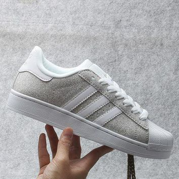 CREYNW6 Originals Adidas Superstar W Men's Women's Shiny Shell-toe Classic Sneaker Sprot Shoes Silver/White - S75125