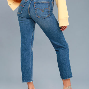 Wedgie Fit Medium Wash Straight Leg Jeans
