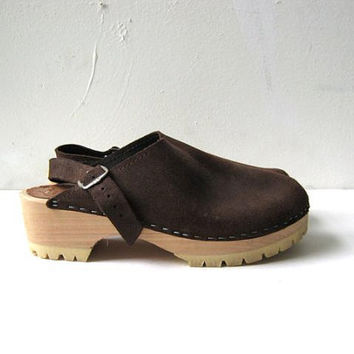 STOREWIDE SALE... 70s brown suede wooden clogs. leather clogs. size 40