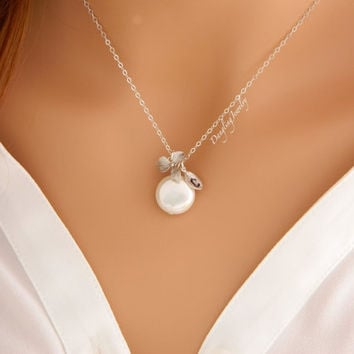 Personalized Coin Pearl Necklace, Bridesmaid Initial Necklace, Bridesmaid Gifts, June Birthstone Necklace, Mothers Necklace, Monogram Gift