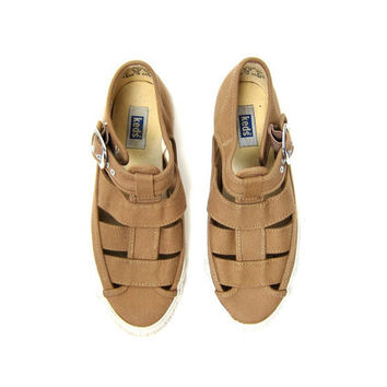 Vintage KEDS Sandals. 90s brown canvas Shoes. Cut Out Sandals. Buckled Flats. Preppy Minimal Shoes. Strapy Canvas Shoes. Womens size 6.5