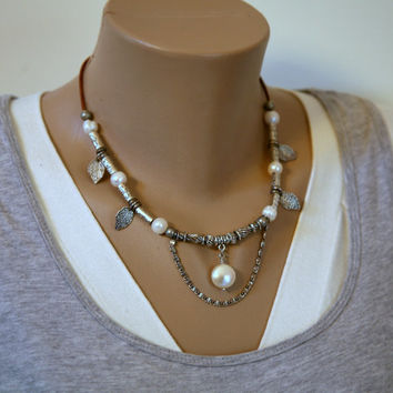 Antiqued Silver Dangling Leaves and Chain Boho Style Leather Cord Pearl Necklace