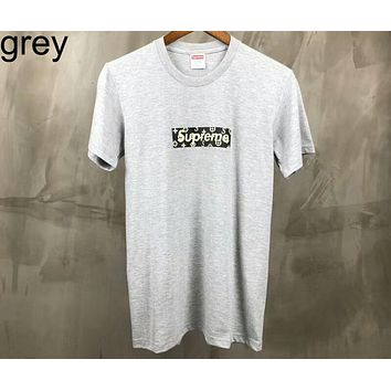 Supreme & LV Louis Vuitton Co-branded Black and White Gray Tricolor High Quality Short Sleeve F-AA-XDD Grey