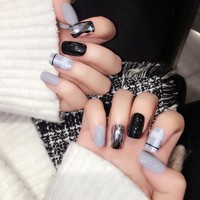 24pcs Shiny Black Classic Grid Gray Fake Nail Art Silver Rhombus Style False Nail Tips Free Sticker Z364