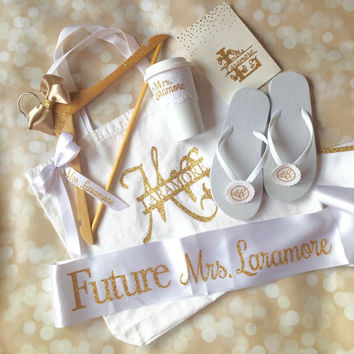 bridal shower gift set full personalized gift box bride to be