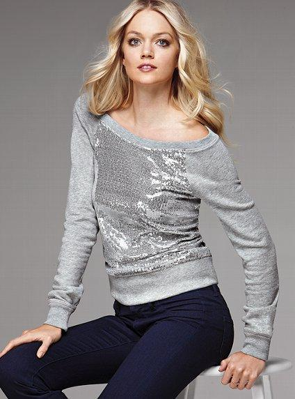 The Must-Have Sweatshirt - Victoria's Secret