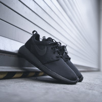 NIKE WMNS Roshe One - Black / Anthracite
