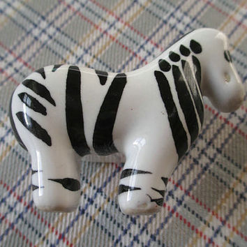 Zebra Childrens Dresser Drawer Knobs Pulls Handles White Black / Animal Baby Kids Decorative Furniture Cabinet Knob handle Pull Hardware