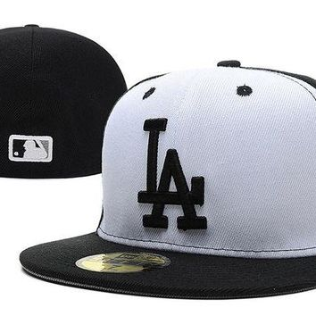 DCCKBE6 Los Angeles Dodgers New Era MLB Authentic Collection 59FIFTY Cap White-Black LA