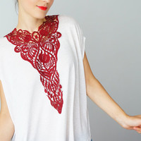 Fiume // Venise Lace Necklace/ Lace Jewelry/ Maroon Necklace/ Bib Necklace/ Statement Necklace/ Body Jewelry/ Lace Fashion