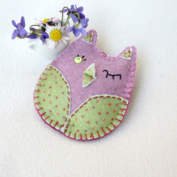 Owl felt ornament, violet, handmade, Christmas ornament, Birthday gift, nursery decor, home decoration