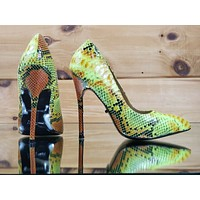 HH Fierce Lime Green Snake High Heel Pointy Toe Pump Shoe Arch Support Size 7.5