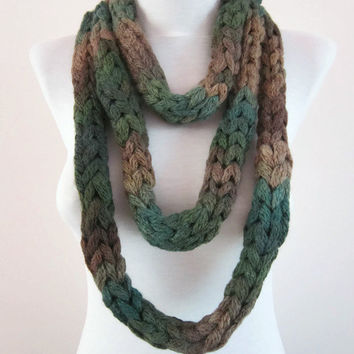 Finger Knitting Scarf,infinity Scarf,Chunky Scarf,Tube Scarf