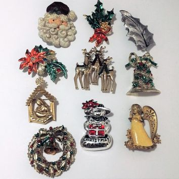 Wholesale Christmas 10 Brooch Pin Lot, Rhinestones Enamel, Figural Animals, Santa Claus, Angels, Wreath, Vintage Winter Holiday Jewelry 818m