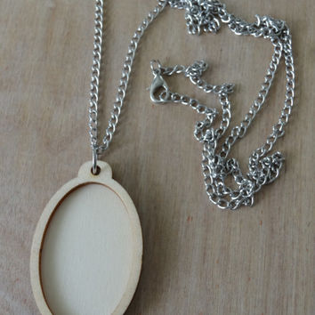 Mini Embroidery Hoop Pendant Kit: Oval