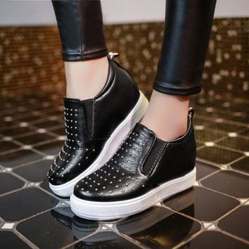 Autumn Round-toe Thick Crust Casual Height Increase Shoes [9432943690]