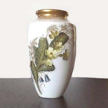 Crescent China vase by George Jones, 1800's Primrose pattern, aesthetic movement porcelain
