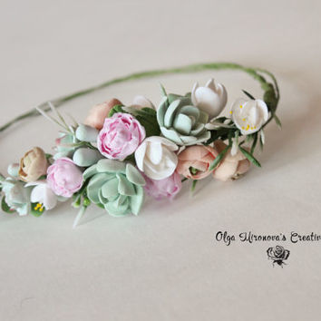 Wedding succulent ranunculus headband Bridal head wreath with succulents and flowers boho untailored floral crown Wedding floral tiara