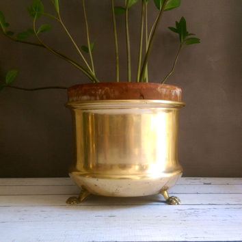 Vintage Brass Footed Planter/ Claw Foot Planter/ Lion Foot Planter/ Vintage Brass Planter/ Footed Brass Pot