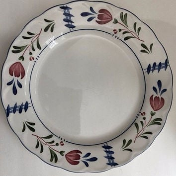 Nikko Avondale 4 White Dinner Plates Set Provincial Red Blue Flowers Blue Trim