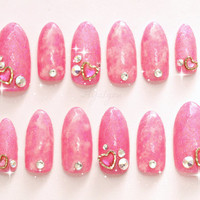 Gyaru, Japanese nail art, acrylic nails, long finger nails, pink, glitter, gem, sparkle, UV gel nails