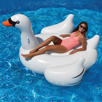 The Hamptons Giant Swan Float