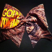 "3in. Camo Cheer Bow with ""GOIN' STUNTIN'"""