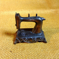 Durham Industries Item no. 3 Sewing Machine - made in Hong Kong - 1976 Coppery Finish