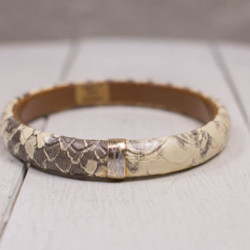 Vintage Faux Snakeskin Bangle Bracelet 70s 80s Reptile Tan & Ivory Textured Vinyl Bangle