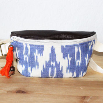 Fanny Pack / Belt Bag / Hip Bag / Bum Bag /Blue and White Ikat Print/ Bohemian Style