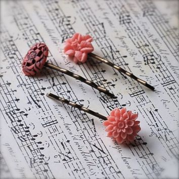 In A Pink Mood hairpins by kellyssima on Etsy