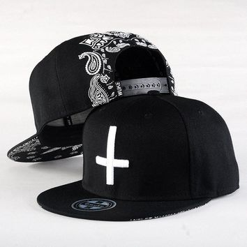 Fashion Women Baseball Cap Men Cross Hat Cap Snapback Embroidery Unisex Baseball Cap Hip Hop New Fitted Baseball Cap