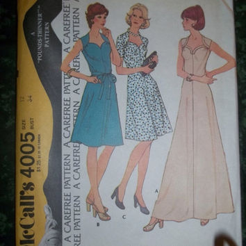25% Off UnCut 1970's McCall's Sewing Pattern, 4005! Size 12 Women's/Misses, Short and Long Dresses, Sleeveless/Short Sleeve Dreses, Summer/S